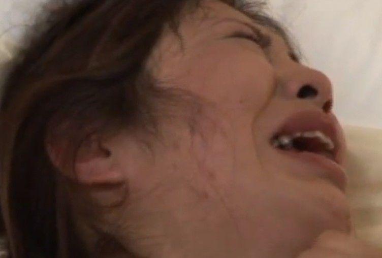 Asiática llora follando pero no de dolor, sino de gusto…